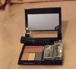 MARY KAY magnetic compact