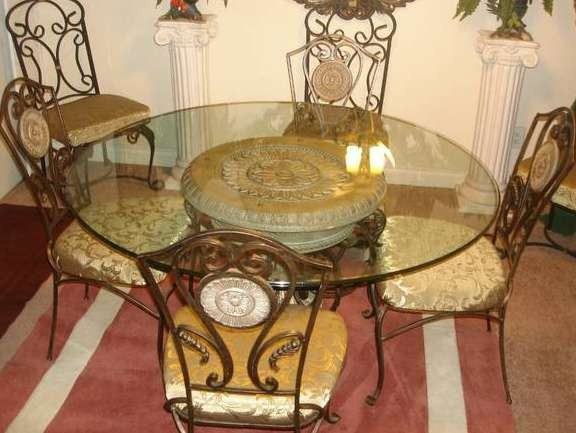 Round Dining Table + Chairs