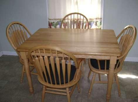 Kitchen Table with Cushioned Chairs